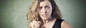 Jak naironię losu – dlaczego tostwierdzenie jest niepoprawne?